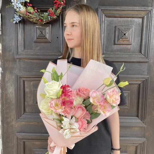 Букет Диантусов, Роз и Альстромерии