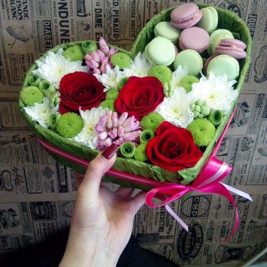 Сердце с гиацинтами и розами: букеты цветов на заказ Flowwow