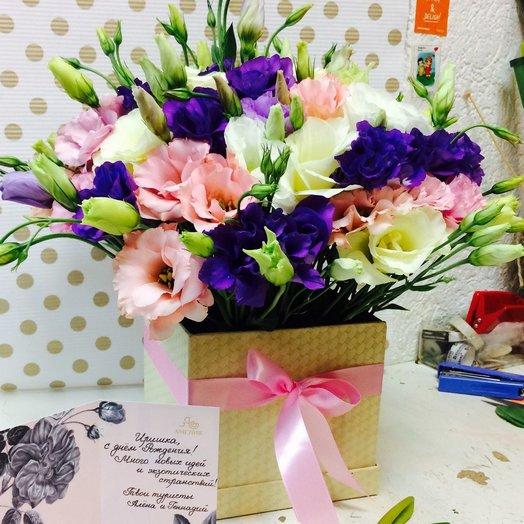 Коробка с эустомой: букеты цветов на заказ Flowwow