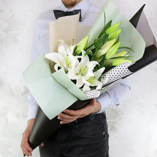 Букет из 3 восточных лилий: букеты цветов на заказ Flowwow