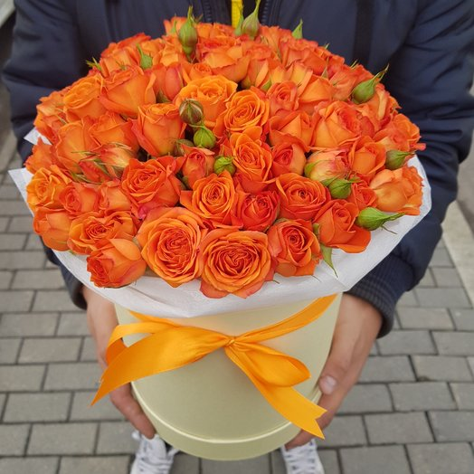 Коробка из кустовых роз. 19 рыжих кустовых роз.: букеты цветов на заказ Flowwow