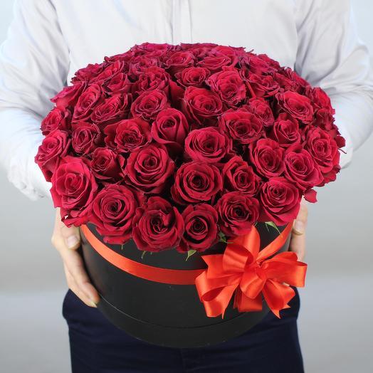 51 красная роза в черной коробке: букеты цветов на заказ Flowwow