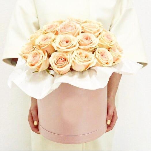 Коробка «Белые розы»: букеты цветов на заказ Flowwow