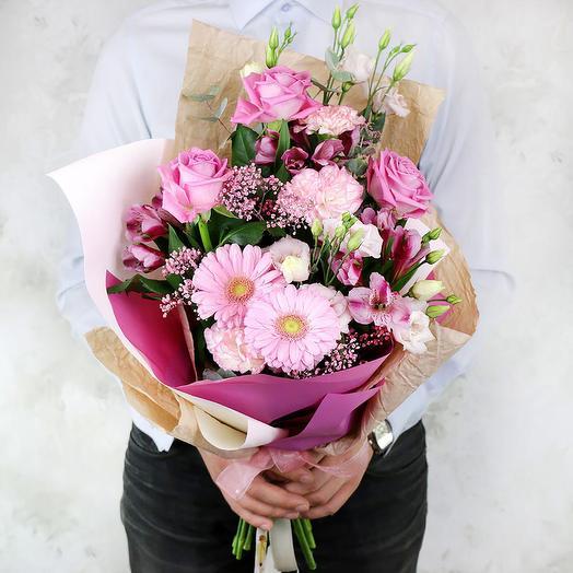 Букет из гвоздик, роз, лизиантусов и альстромерий