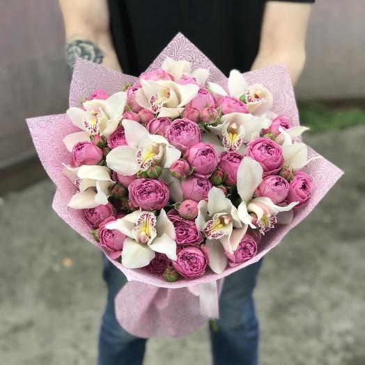 Пионовидные розы и орхидеи в букете: букеты цветов на заказ Flowwow