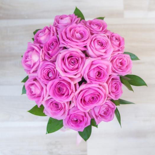 Коробка из 19 розовых роз