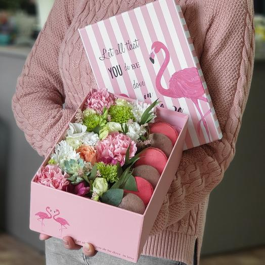 "Коробочка ""Розовый фламинго"": букеты цветов на заказ Flowwow"