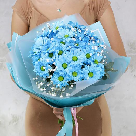 Букет из голубой хризантемы и гипсофилы