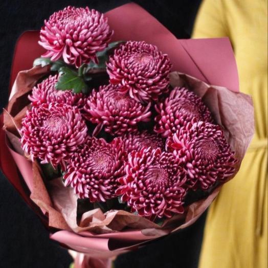"""Шикарный букет хризантемы """"Бигуди"""" в дизайнерской упаковке: букеты цветов на заказ Flowwow"""