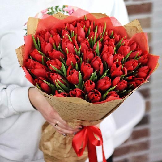 Букет из 49 красных тюльпанов. N678: букеты цветов на заказ Flowwow