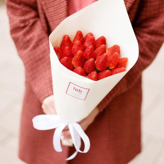 Клубничная мечта S: букеты цветов на заказ Flowwow