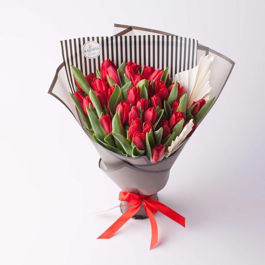 Монобукет из красных тюльпанов