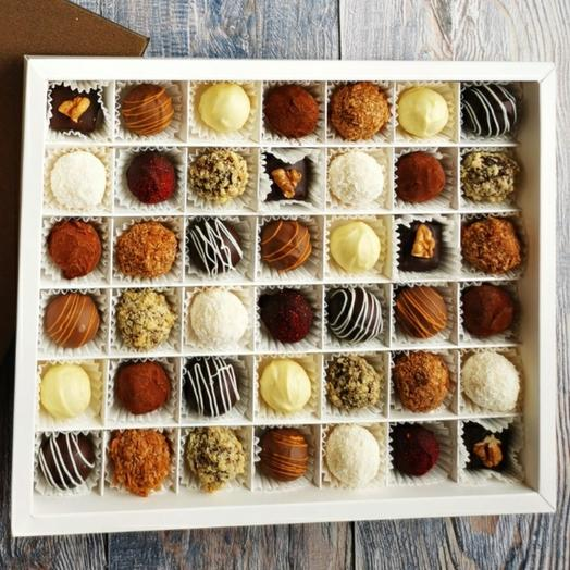 Cheese truffles (sweets) 42 pieces, assorted from 9 flavors