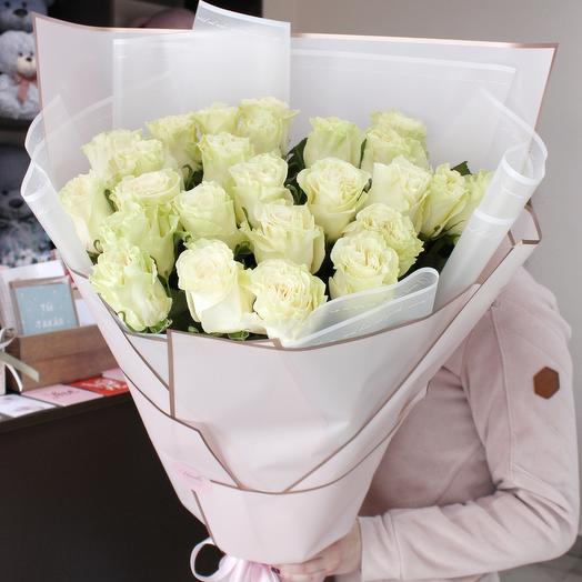 25 импортных роз 70 см