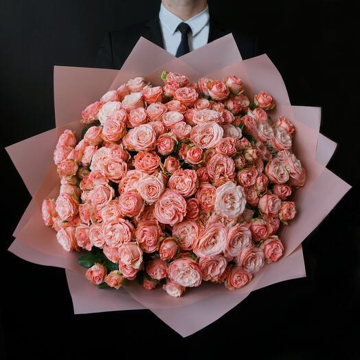 Букет из 35 пионовидных роз Madam Bombastic