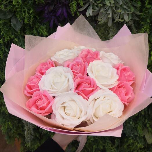 Необычный подарок из мыльных роз