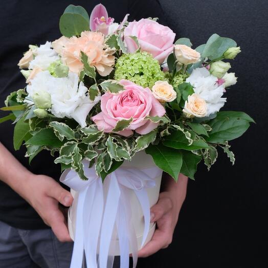 Букет в коробке с пионовидной розой, Лола