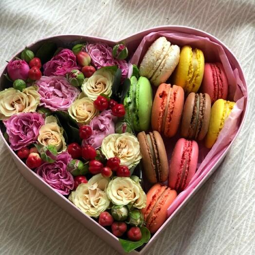 Цветы в коробке сладость