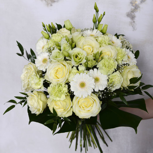 White and green luxury: flowers to order Flowwow