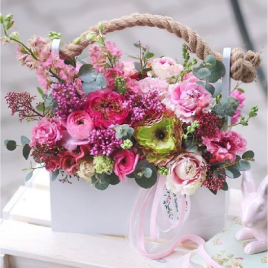 Компазиция Весенних цветов