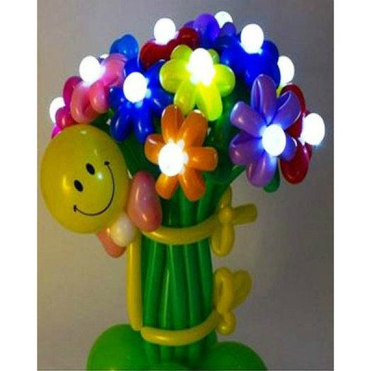 Светящийся букет ромашек со смешным человечком: букеты цветов на заказ Flowwow