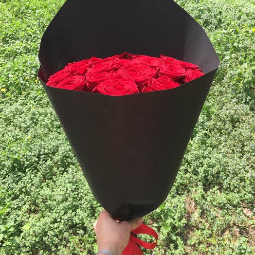 Роза Ред Наоми: букеты цветов на заказ Flowwow