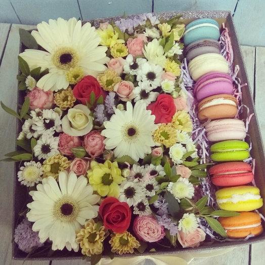 Коробка вкусняшек 2: букеты цветов на заказ Flowwow