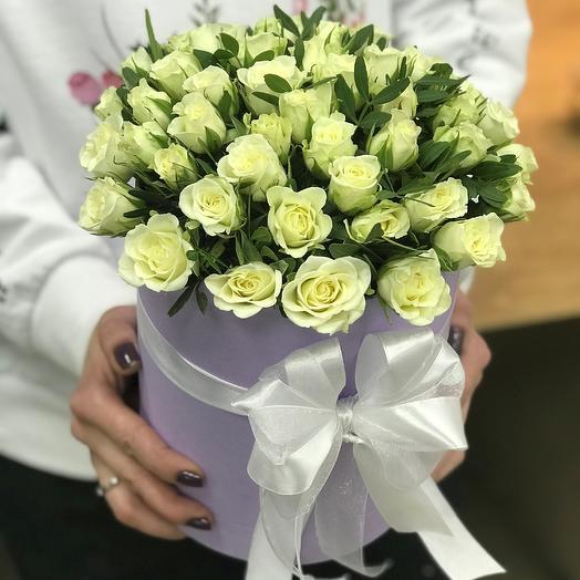 Коробки с цветами. Кустовые розы.N349: букеты цветов на заказ Flowwow
