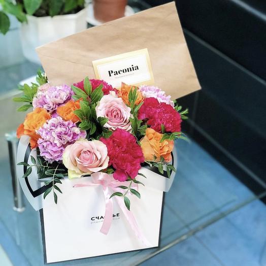 Коробка 32: букеты цветов на заказ Flowwow