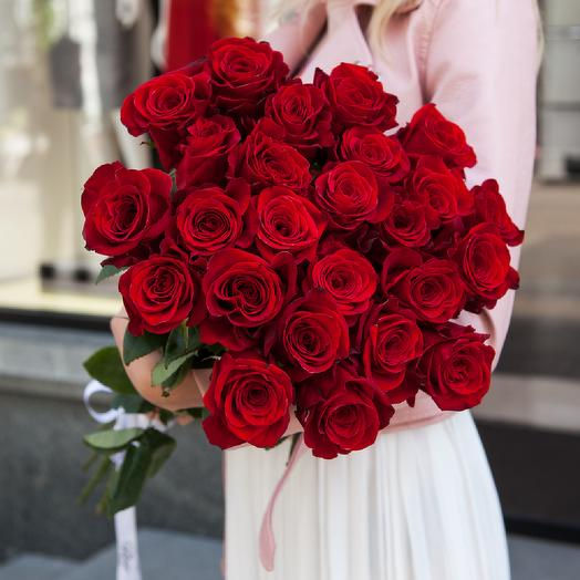 Букет Bouquet of 25 red roses under the ribbon