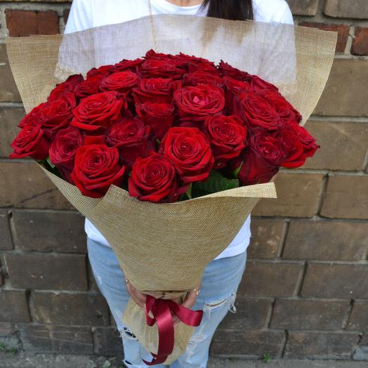 39 Красные Розы: букеты цветов на заказ Flowwow
