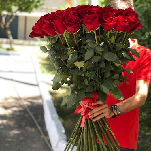 Букет из 51 красной голландской розы 70 см: букеты цветов на заказ Flowwow