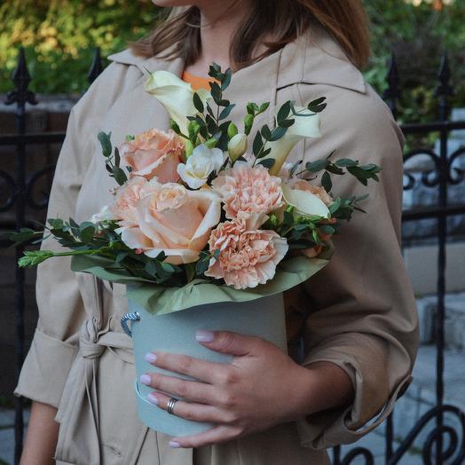 Букет в шляпной коробке: букеты цветов на заказ Flowwow