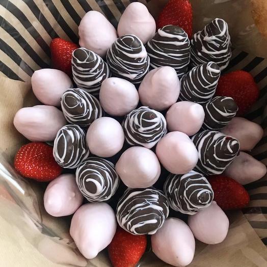 Клубничный букет «Амвей»: букеты цветов на заказ Flowwow