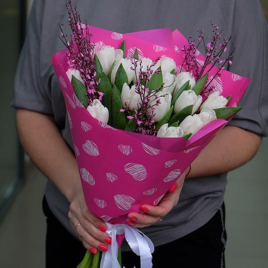 Белые тюльпаны для любимой: букеты цветов на заказ Flowwow
