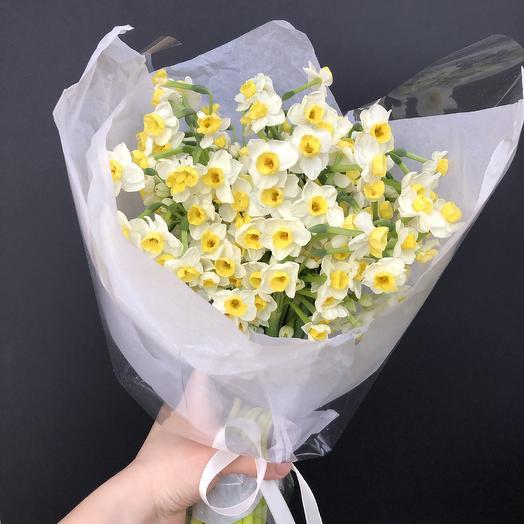 Букет из кустовых нарциссов: букеты цветов на заказ Flowwow