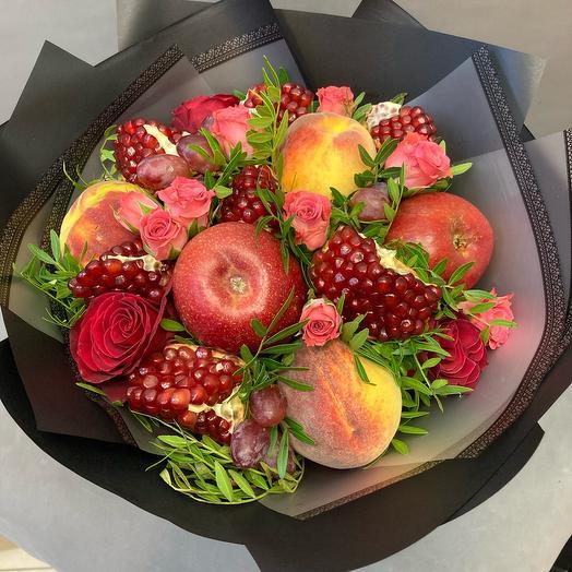Фрукто-цветочный букет