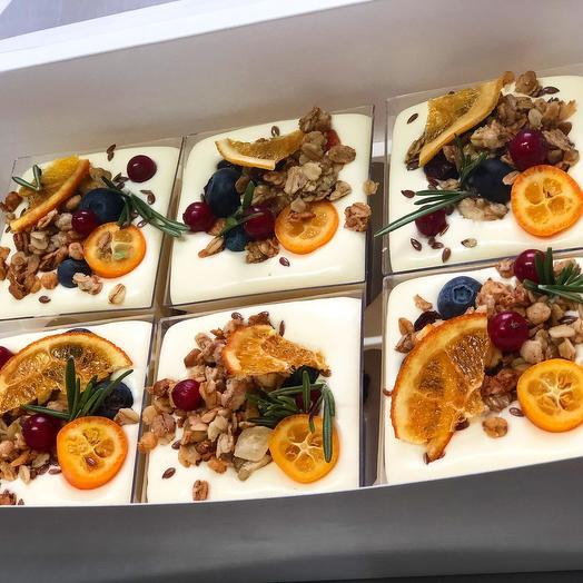 Йогуртовый десерт с гранолой и ягодами Набор 6 шт