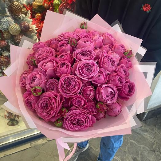 Шикарный букет из нежных пионовидных роз