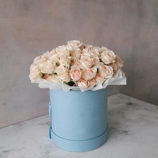 """Коробка""""15 кремовых кустовых роз"""""""