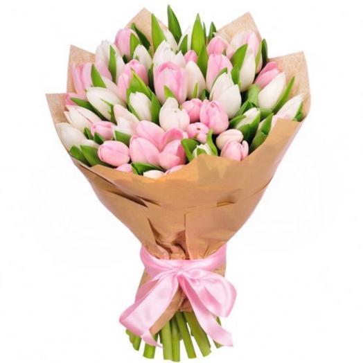 49 нежных тюльпана