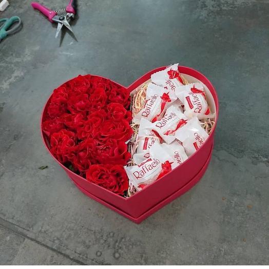 Коробка с цветами и рафаэлло «Моя половинка»👫