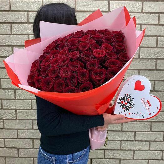 51 роза + конфеты Raffaello