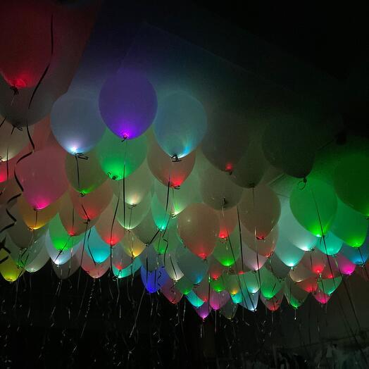 100 светящихся шаров