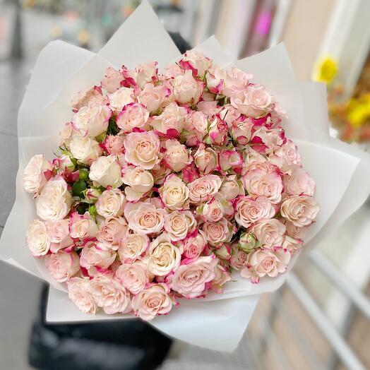 Нежная Кустовая Роза