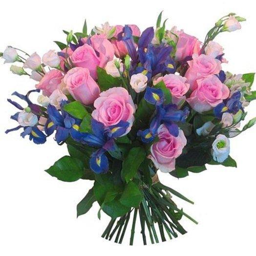 Букет роз ирисов и лизиантусов: букеты цветов на заказ Flowwow