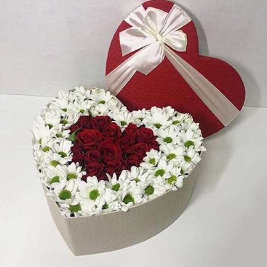 Сердце подарок: букеты цветов на заказ Flowwow