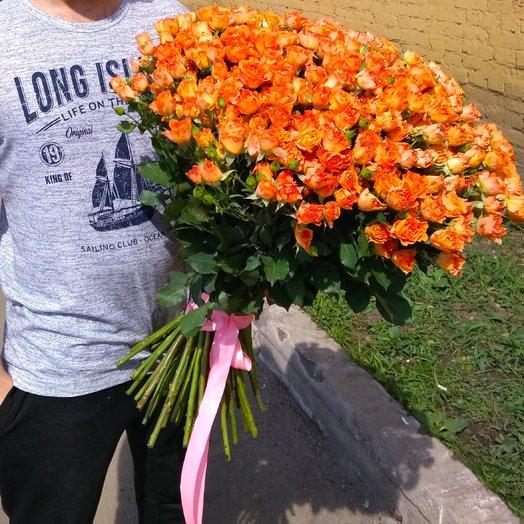 79 оранжевая кустовая роза