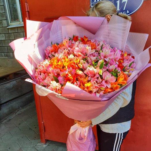 Огромный букет Альстормерий: букеты цветов на заказ Flowwow