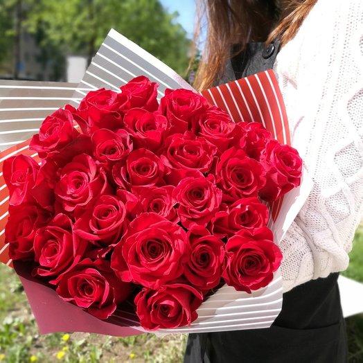 25 роз красных: букеты цветов на заказ Flowwow